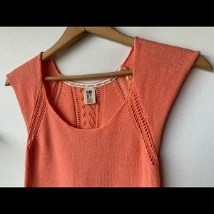 XS, Roxy, coral pink knit short sleeve tee